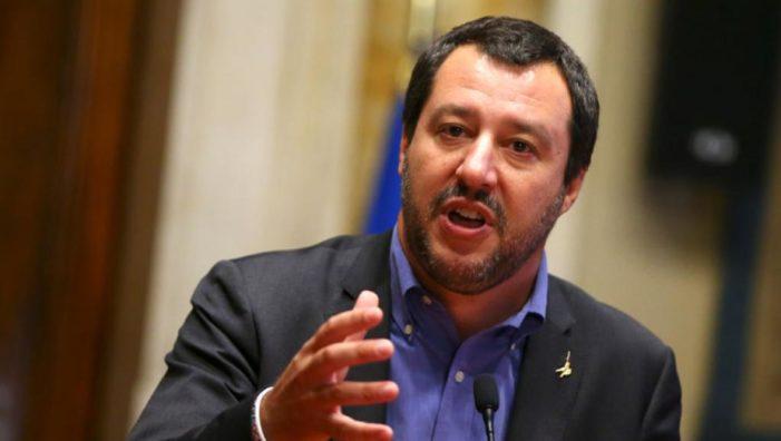AB Komisyonu 'İtalya'nın 2019 taslak bütçe planını reddetti