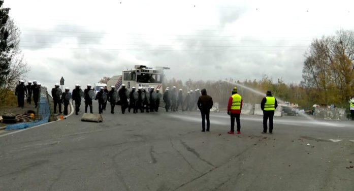 Belçika'da yüksek dizel fiyatı protesto edildi