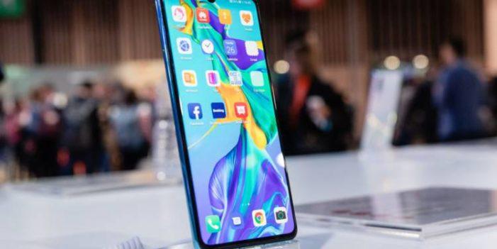 Huawei satış sonrası hizmetlere devam edeceğini duyurdu