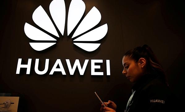 Huawei telefonların Android güncellemeleri devam edecek