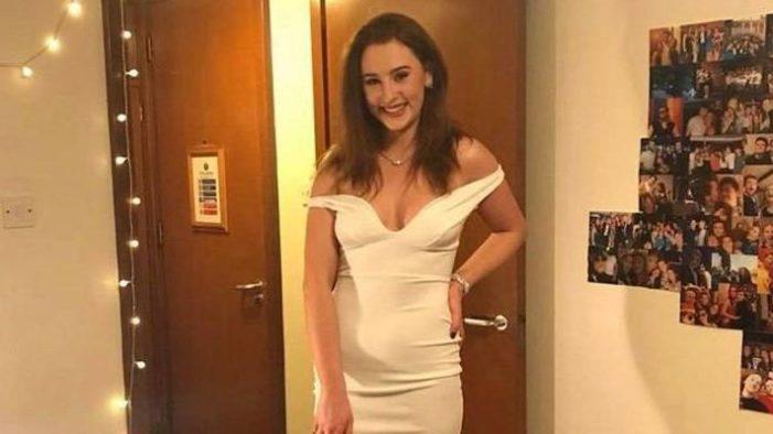 Üniversiteli kız uçağın kapısını açarak intihar etti