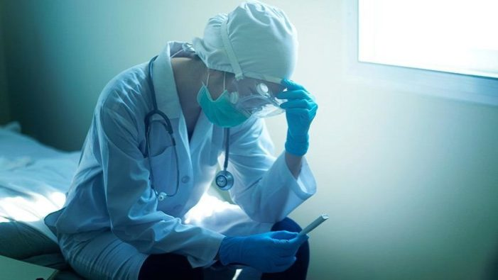 Corona virüsü tanısı konan sağlık çalışanlarının sayısı artıyor!..