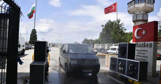 """AB'den Türkiye'ye giriş ve çıkışlarda """"corona virüsü harcı"""""""