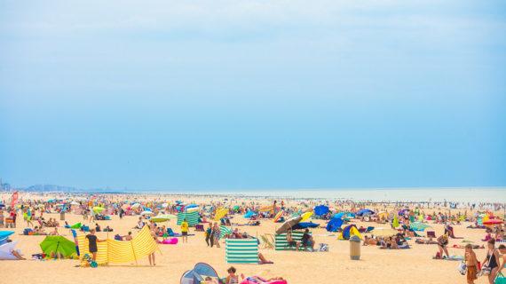 Belçika'da randevulu plaj tatili devam ediyor!..