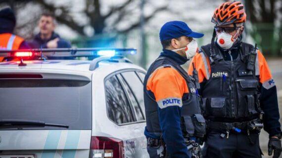 COVİD-19: Belçika polisi ilk sınır kontrol noktasını kurdu