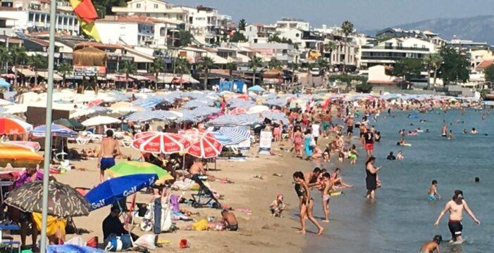 Didim sahillerinde pandemi kuralları yok sayıldı