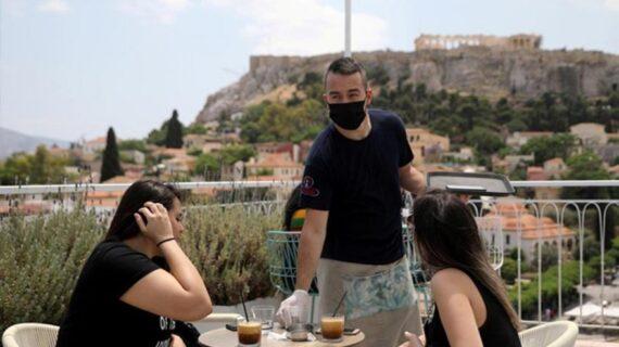 Yunanistan'da corona salgını yükselişe geçti