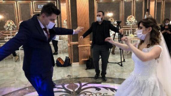 """""""COVID-19 Türk düğünü rüyasına darbe vurdu"""""""