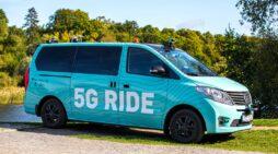 """Stockholm'de """"5G"""" otonom minibüsün testlerine başlandı"""