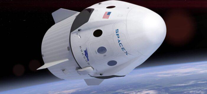 SpaceX'in insanlı uzay görevi ertelendi