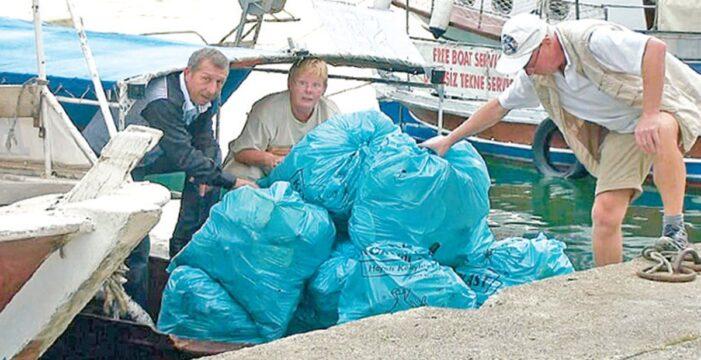 Dalyan'ı Yabancı 'Temizlik Gönüllüleri' temizliyor