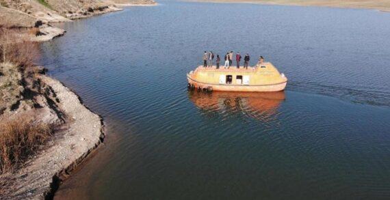 Diyarbakır'da denizi olmayan köyün denizaltısı!..