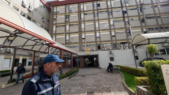 İtalya'da bir hastane personeli işe gitmeden 15 yıl maaş aldı!