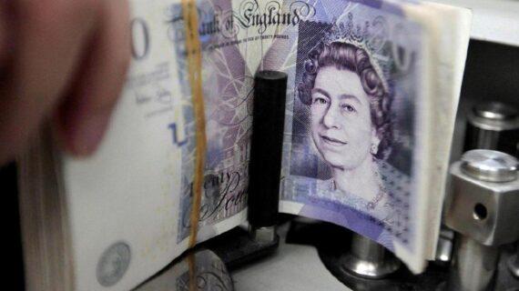 İngiltere'de kamu borçlanması en yüksek seviyede