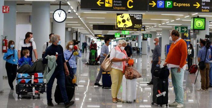 İngilizler karantina yerine Türkiye'de tatil yapıyor!..