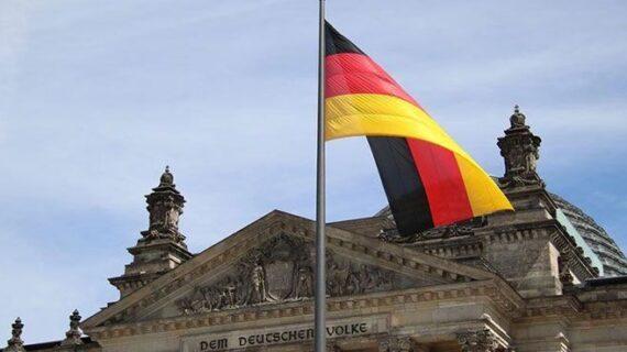 Almanya'da salgın kısıtlamaları hizmet sektörünü etkiledi