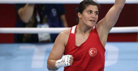 Milli boksör Busenaz Sürmeneli adını yarı finale yazdırdı