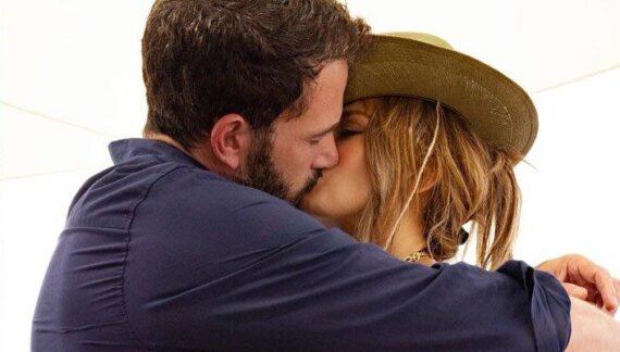 Jennifer Lopez 'Ben Affleck'e aşkını ilan etti